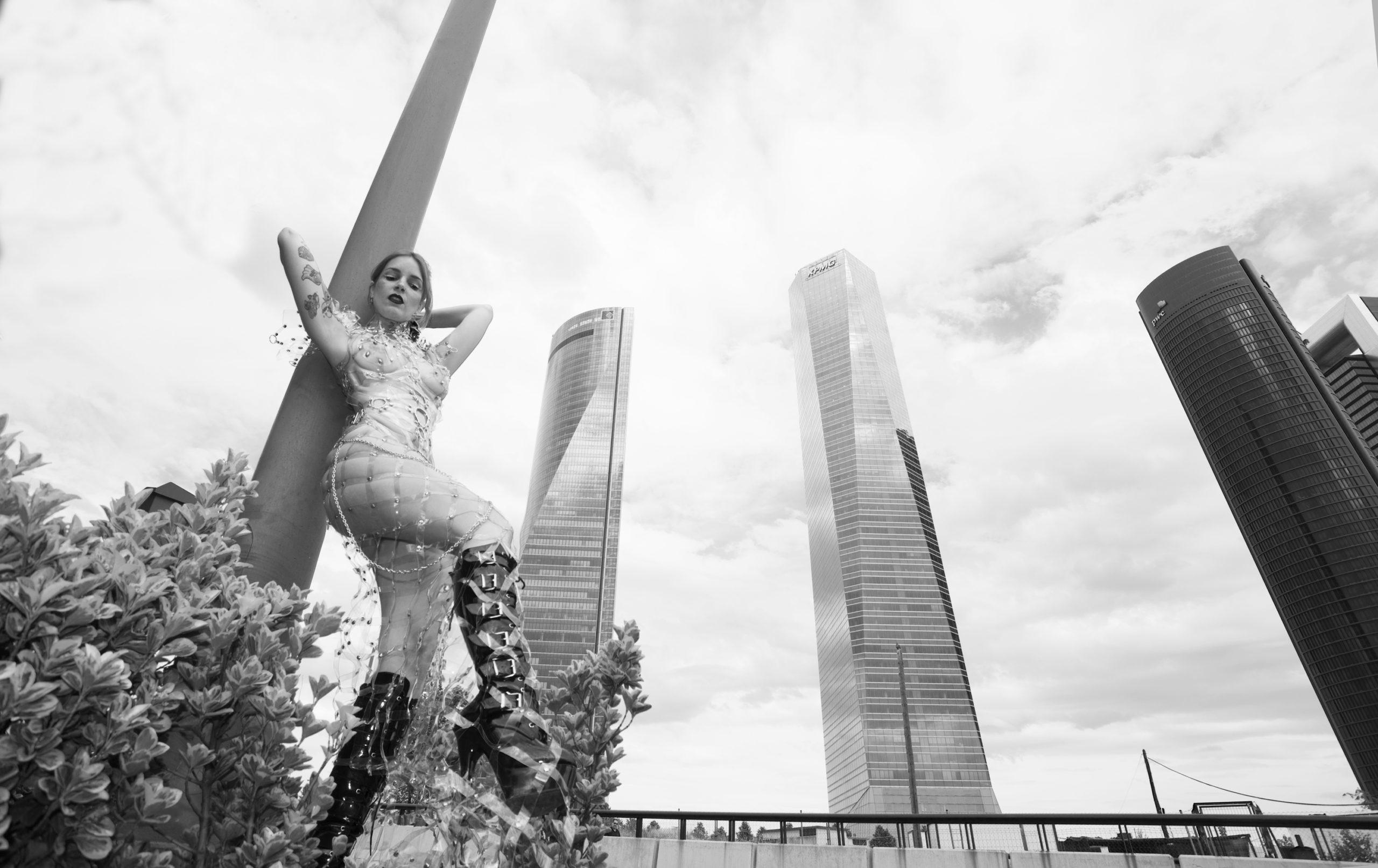 Irina Vega en Interviú por Cristina del Barco